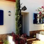 19 CASA ALECRIM - Entrance, (windows left kitchen, right Quarter 2)