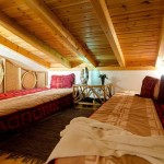 2.10 CASA PAVÃO - Sleeping loft with twin beds or king-size double-bed possible)