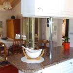 24 CASA ALECRIM - Dining room seen from the kitchen