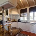 25  CASA ALECRIM - Fully equipped spacious kitchen