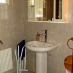 S 19c SELÃO - CASA CISNE - Bathroom with shower (hidden by the door)
