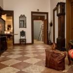 07-Hall Interior